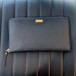 🛑SOLD🛑 Oversized kate spade wallet